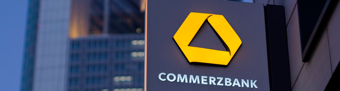 Commerzbank swings to profit, boosts outlook