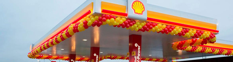 Shell posts strong profit, raises dividend