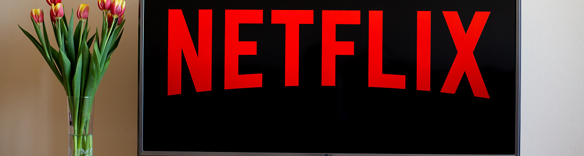 Netflix stocks plunge after a mixed earnings report