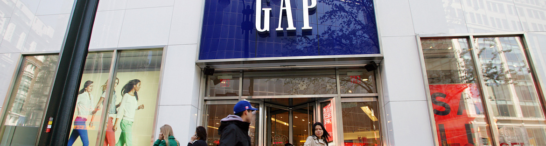 Gap earnings miss, stocks tumble